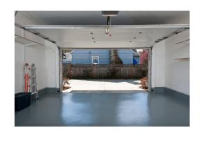 garage door service in Nashville